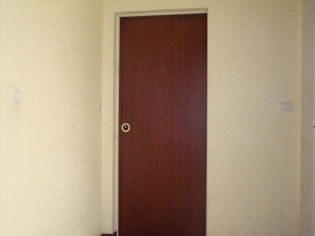 Pose de portes d'entrée à Toulon