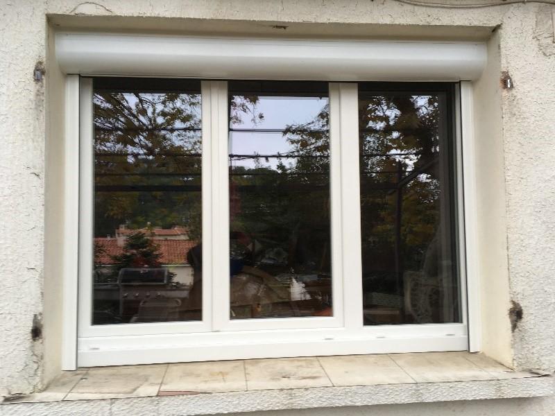 Installation de fenêtre pvc 3 vantaux et volet roulant aluminium à La Garde